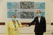 Juntos no combate à pandemia COVID-19 | Painel com imagens dos profissionais